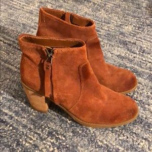 Dolce vita suede leather ankle booties, 7.5